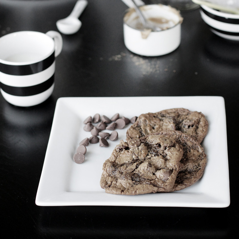chocolate-chia-cookies